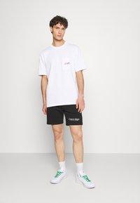 Calvin Klein - PRIDE UNISEX - Short - black - 1