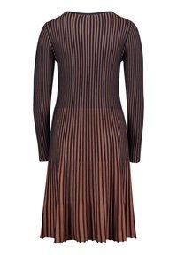 Betty Barclay - MIT PLISSEE - Jumper dress - dark blue/brown - 3
