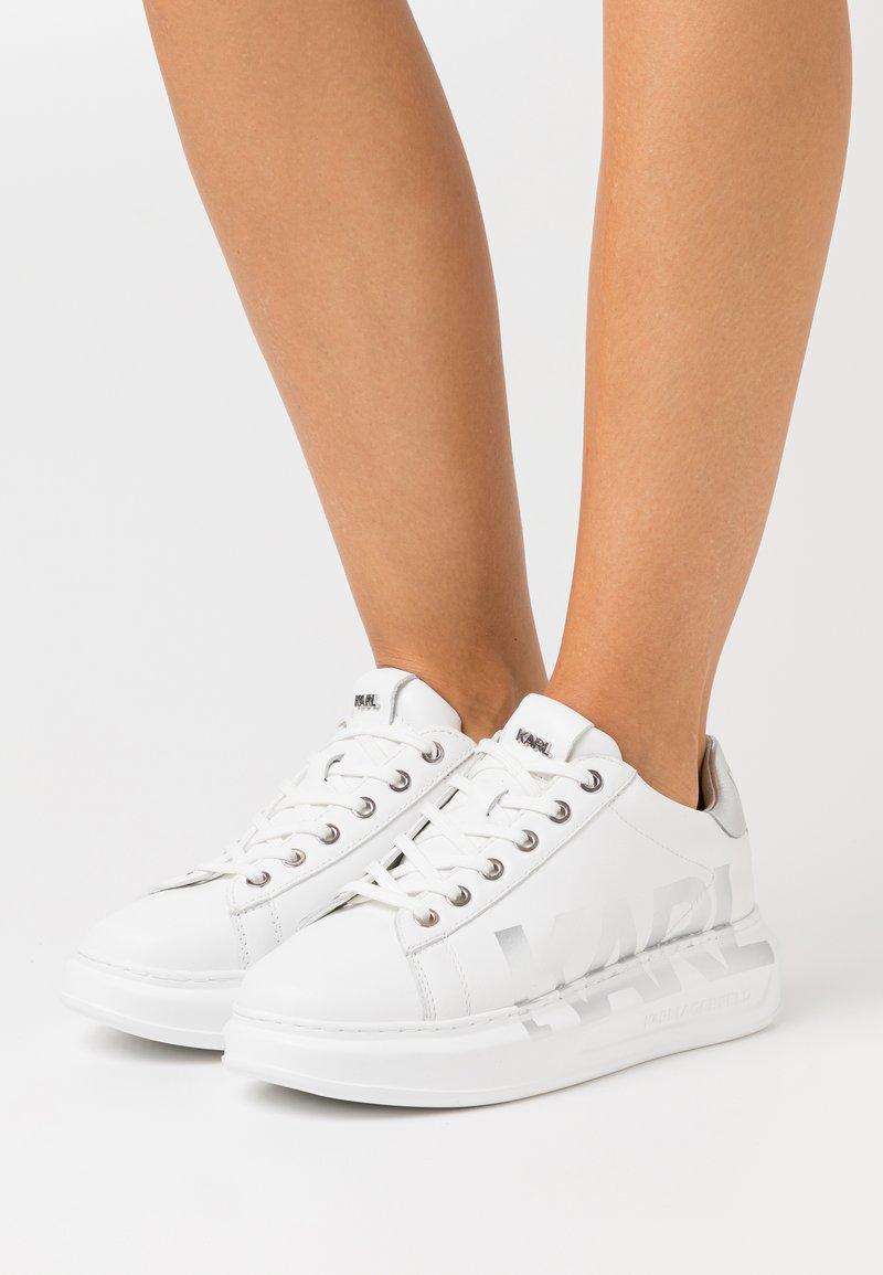 KARL LAGERFELD - KAPRI LOGO - Sneaker low - white/silver