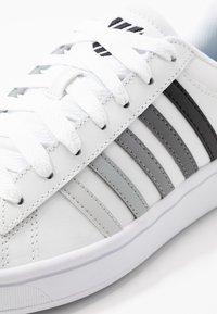 K-SWISS - COURT WINSTON - Zapatillas - white/black gradient - 5