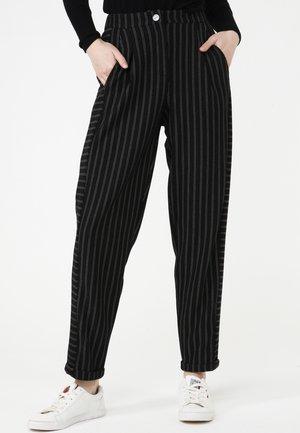 HOSE VALERY - Trousers - schwarz