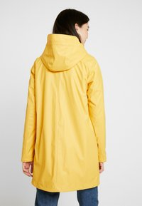 ONLY Tall - ONLVANESSA SHERPA RAINCOAT - Parkatakki - yolk yellow - 2