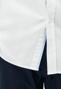 Lacoste - CH4976-00 - Shirt - blanc - 3