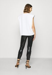 ONLY - ONLRONA SEQUENCE - Trousers - black - 2
