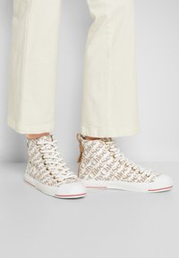 See by Chloé - ARYANA - High-top trainers - natural - 2