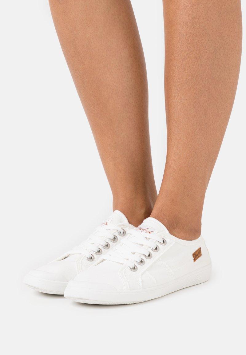 Blowfish Malibu - VEGAN VESPER - Sneakersy niskie - white