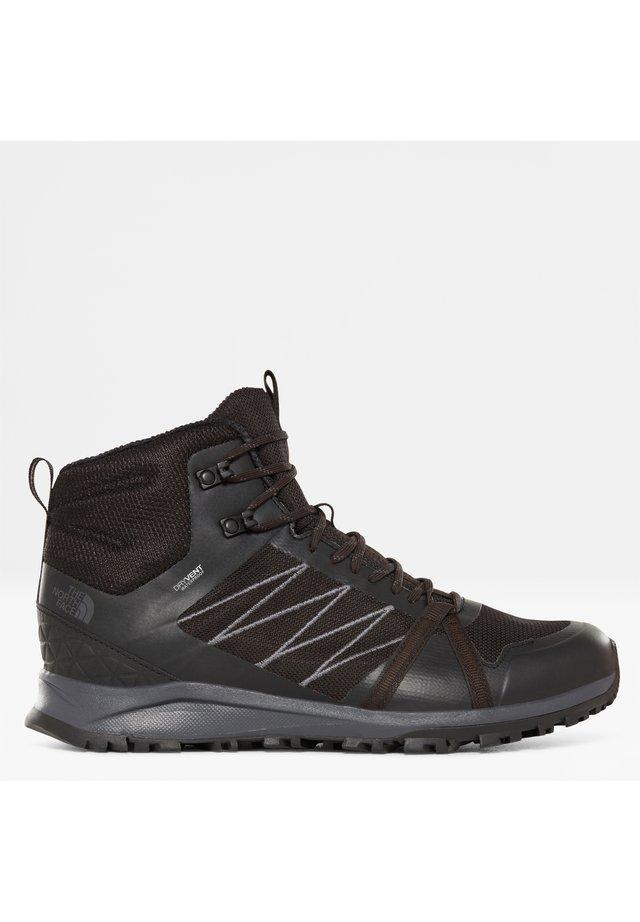M LITEWAVE FASTPACK II MID WP - Sznurowane obuwie sportowe - tnf black/ebony grey