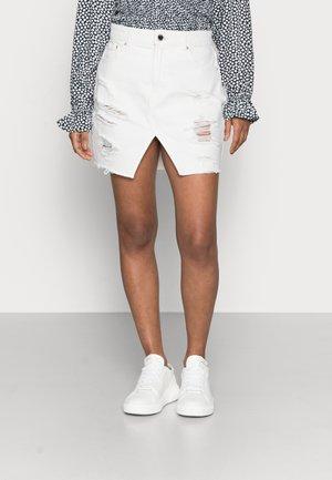 ONLISABEL LIFE - Minifalda - white