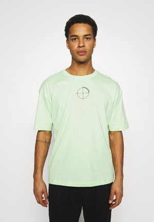 OVERSIZED UNISEX - T-shirt print - patina green