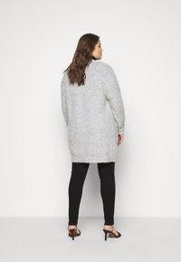 Selected Femme Curve - SLFLIA LONG CARDIGAN - Neuletakki - light grey melange - 2