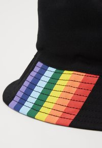 Only & Sons - ONSPRIDE BUCKET HAT - Hoed - black - 4