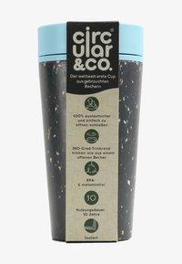 Circular&Co - CIRCULAR & CO KAFFEEBECHER TO GO MIT DECKEL - 340ml - Trinkflasche - Autres accessoires - schwarz / blau - 0