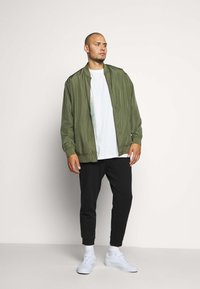 Jack & Jones - JORVEGAS JACKET - Bomberjacks - dusty olive - 1