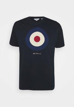 TARGET TEE - T-shirt z nadrukiem - dark navy