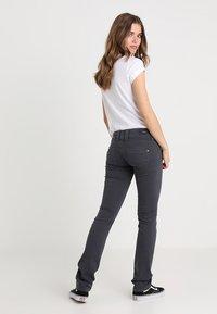 Pepe Jeans - VENUS - Kalhoty - deep grey - 2