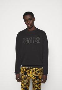 Versace Jeans Couture - FELPA - Sweatshirt - black - 0