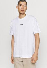 Good For Nothing - BRANDING BADGE - Print T-shirt - white - 0