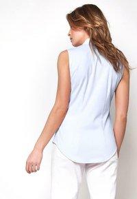 DESOTO - AMY - Button-down blouse - uni light blue - 1