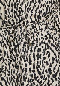 Object - OBJBAY DRESS REPEAT - Shirt dress - humus/new animal - 5