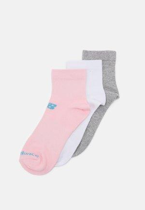 QUARTER FLAT 3 PACK UNISEX - Sports socks - multicoloured