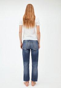 ARMEDANGELS - FJELLAA CROPPED - Straight leg jeans - used blue - 2