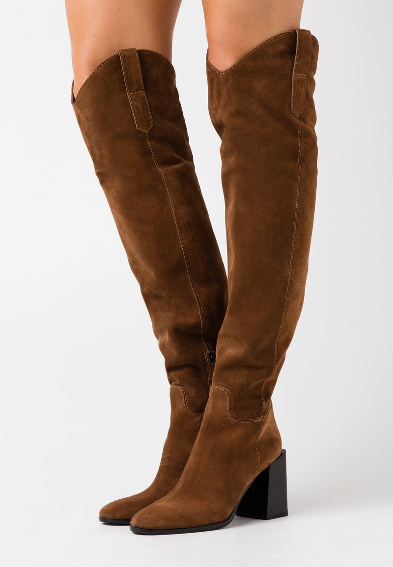 Furla - ESTER KNEE BOOT - Boots med høye hæler - cognac