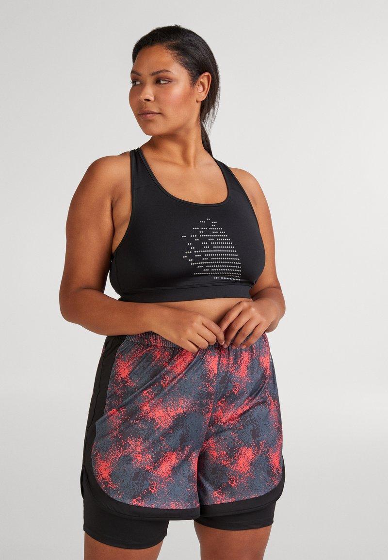 Active by Zizzi - ALUCENA SHORTS - Sports shorts - red