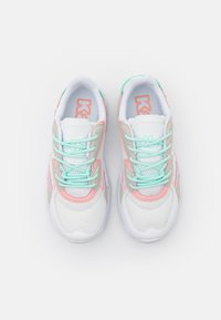 Kappa - CRUMPTON - Sports shoes - white/rosé - 3
