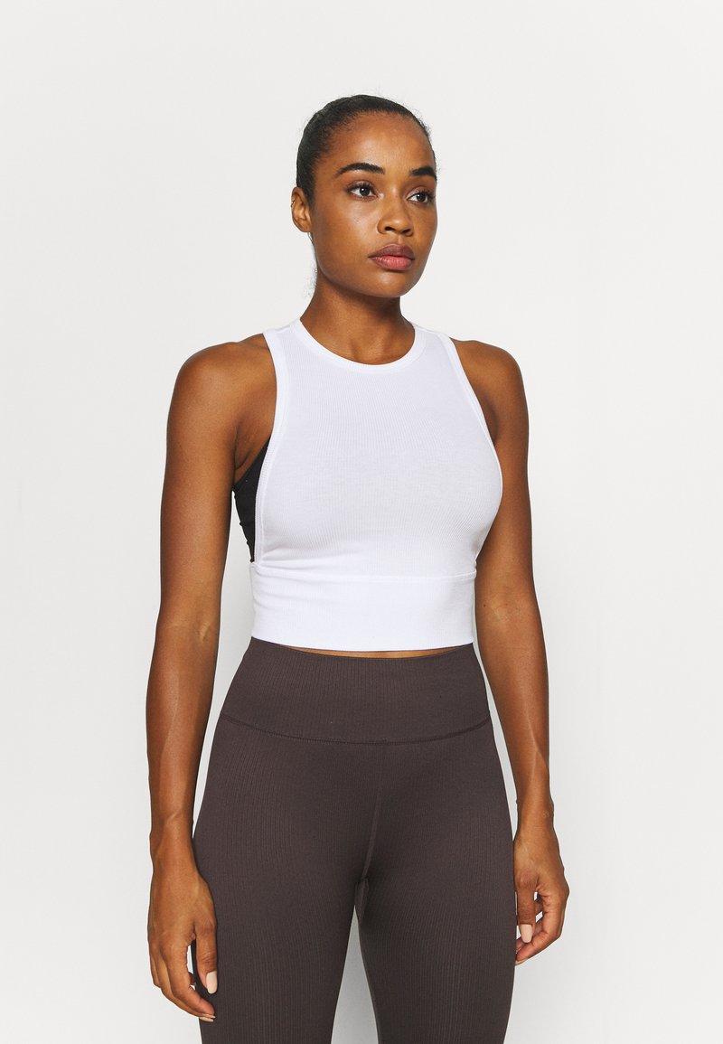 Cotton On Body - LAYERING CROP TANK - Top - white