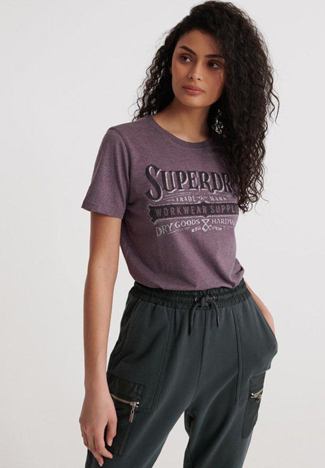 SUPERDRY WORKWEAR METALLIC T-SHIRT - Print T-shirt - dry elderberry marl