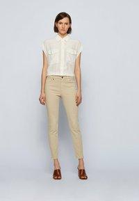 BOSS - Jeans Skinny Fit - beige - 1