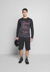 Dakine - SYNCLINE - Sports shirt - black/dark ashcroft - 1