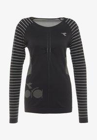 Diadora - TECHFIT  - Koszulka sportowa - black - 4