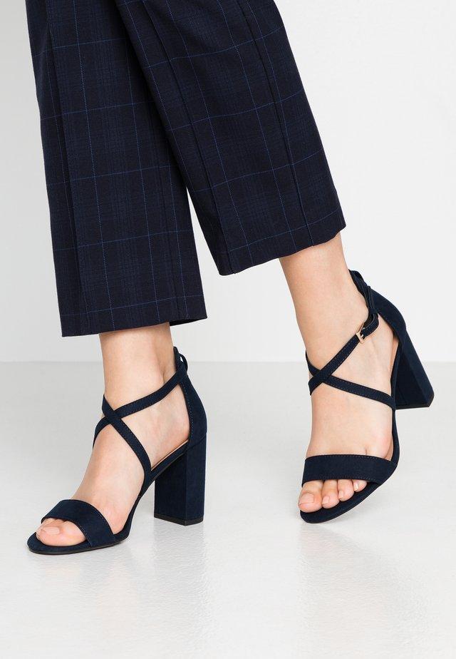 SCOOP - Sandalen met hoge hak - navy