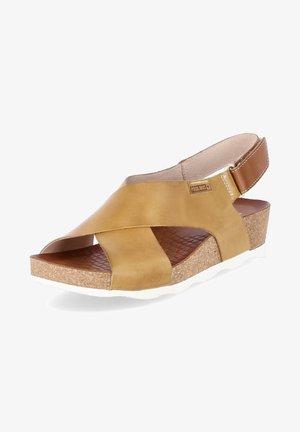 Wedge sandals - gelb