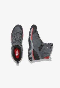 The North Face - M CRESTVALE FUTURELIGHT - Hiking shoes - zinc grey/tnf black - 1