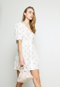 Glamorous - TIE BACK BUTTON MINI DRESSES WITH PUFF SLEEVES - Day dress - yellow - 5