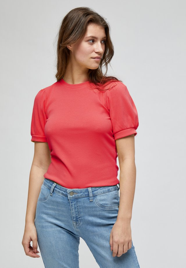 JOHANNA  - T-shirt basique - berry red