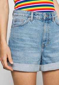 Monki - TALLIE - Shorts di jeans - blue medium dusty - 5