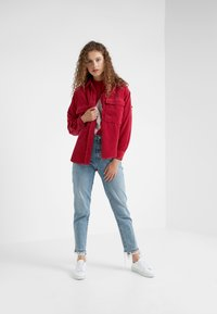 CLOSED - DELLAN - Košile - ruby - 1