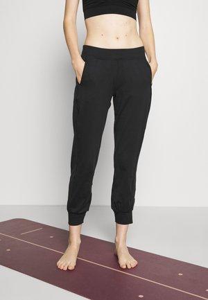 GARY YOGA TROUSERS - Teplákové kalhoty - black