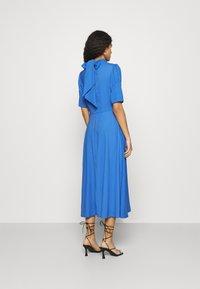 Closet - TIE BACK A LINE DRESS - Kjole - blue - 2