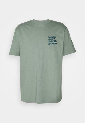 GRAPHIC  - Print T-shirt - sage