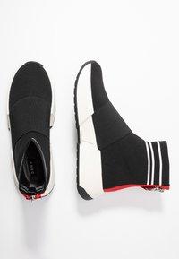 DKNY - MARINI - High-top trainers - black/white - 3