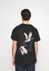 Night Addict - NASPIRIT - T-shirt med print - black - 0