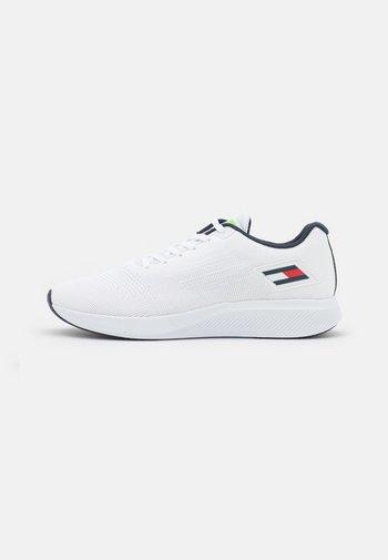 SPORT 3 - Sportovní boty - white