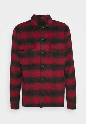 BETHUNE  - Shirt - red/black