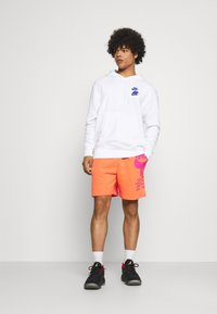 Nike Sportswear - Träningsbyxor - turf orange - 1
