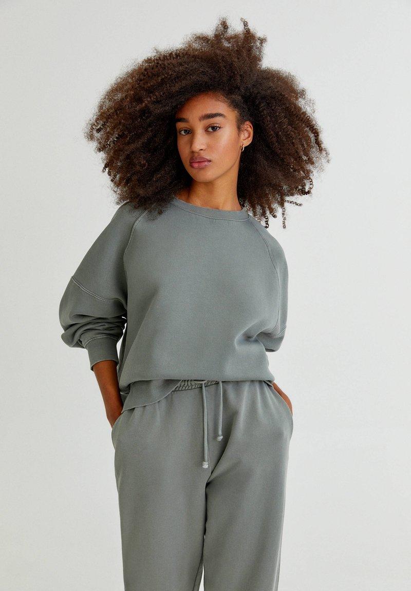PULL&BEAR - FARBEN - Sweatshirt - green