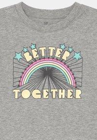 GAP - BOXY  - Print T-shirt - heather grey - 2
